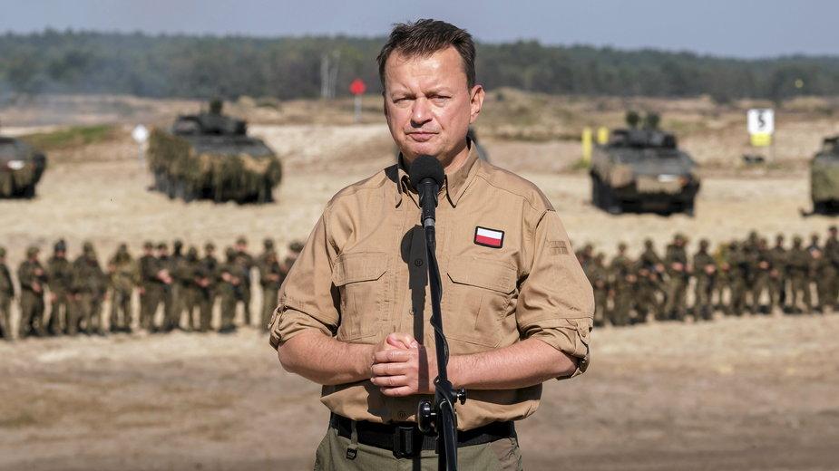 Mariusz Błaszczak podczas ćwiczeń Ryś-21