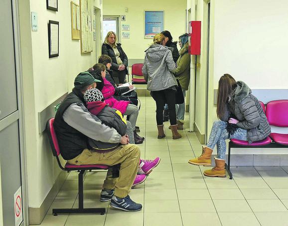 Gužve u zdravstvenim ustanovama zbog gripa