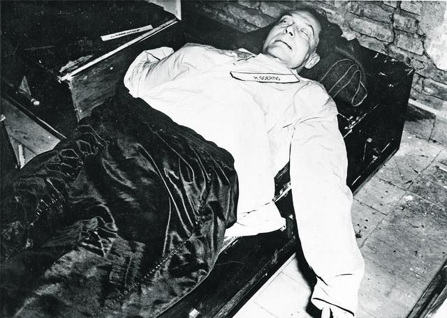 Samo je Herman Gering do samog kraja ostao ohol i izvršio samoubistvo da bi izbegao vešanje.