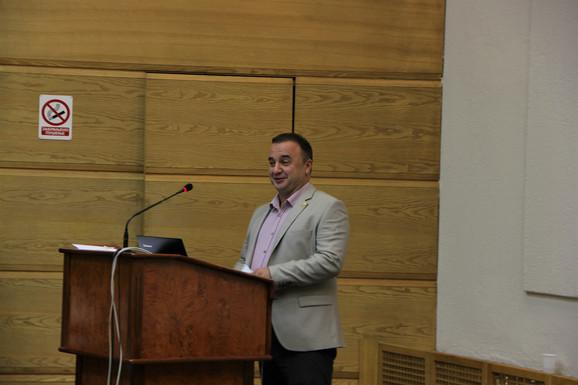 Zoran Ilić, učitelj iz Leskovca, autor je, realizator i voditelj više seminara i obuka