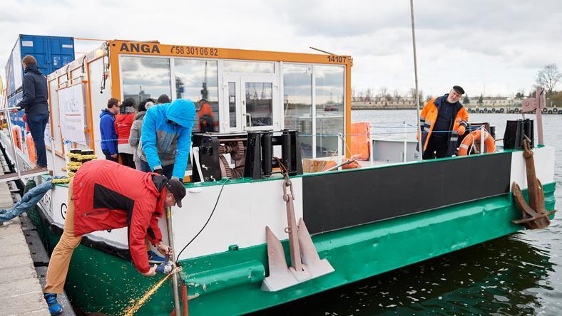 Barka wypłynęła z portu w Gdańsku