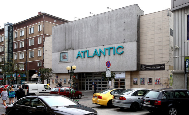 Warszawa. Budynek kina Atlantic przy Chmielnej. Fot. Kuba Atys