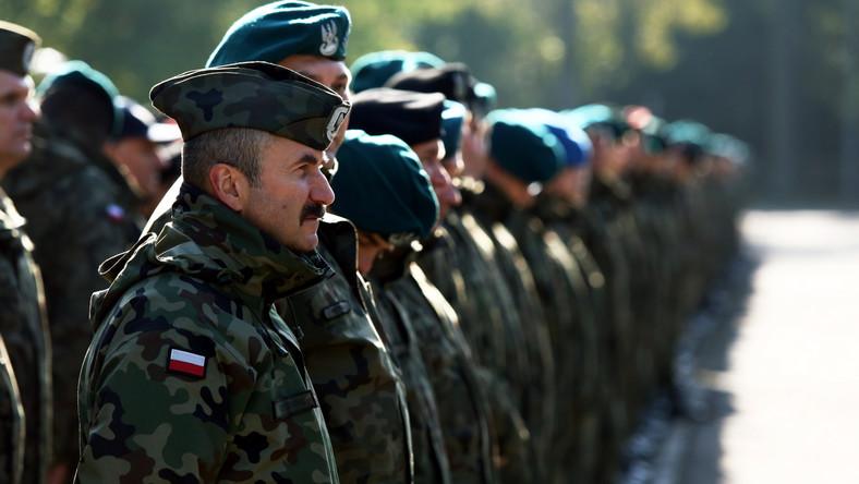 """""""Ze względu na sytuację na ukraińsko-rosyjskim pograniczu wprowadzono kilka nowych scenariuszy do ćwiczeń"""" - powiedział dziennikarzom, tuż po uroczystym otwarciu Anakondy, wicepremier i szef MON Tomasz Siemoniak."""