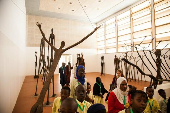 Dak'Art bijenale, sa fokusom na umetnost i književnost, kulturni je događaj koji traje ceo mesec