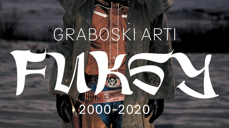 """Plakat wystawy """"Graboski Arti. Fuksy 2000-2020"""""""