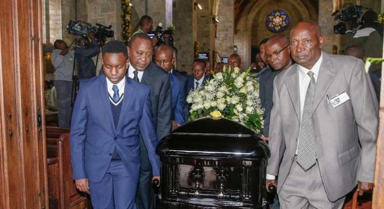 President-Uhuru-Kenyatta-among-pallbearers-carrying-Kenneth-Matiba-s-casket