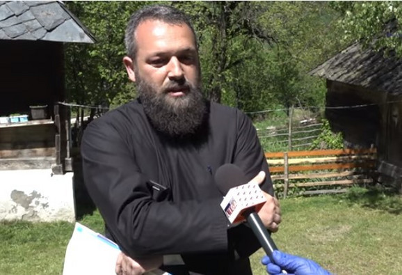 Sveštenik Siniša Nikitović