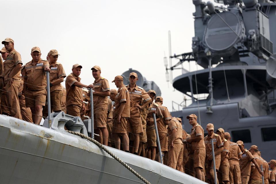 Pięć rosyjskich okrętów ze sprzętem wojskowym zawinęło do Manili