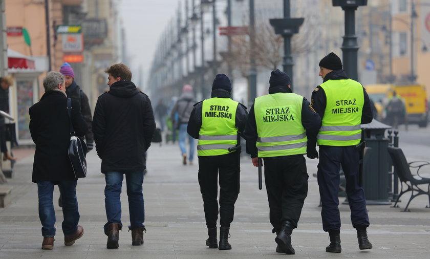Strażnicy miejscy na Piotrkowskiej