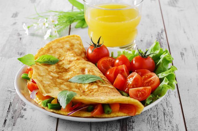 Omlet je uvek dobra ideja, uz čašu soka od pomorandže