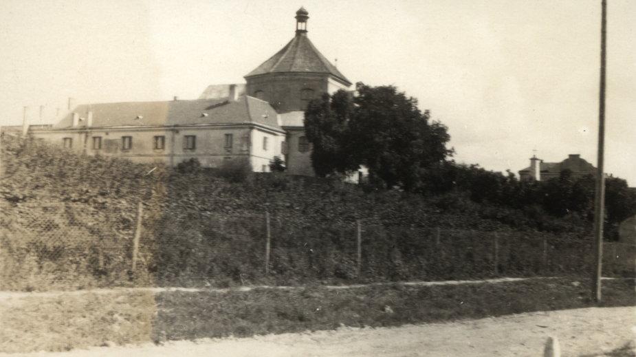 Szpital przy Biernackiego 9, okres międzywojenny