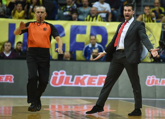 Dušan Alimpijević na meču sa Fenerbahčeom