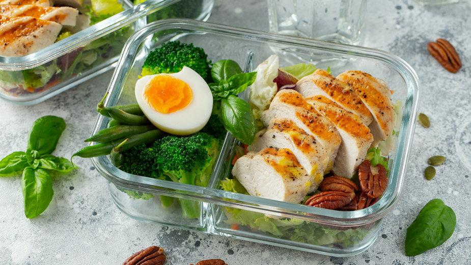 Proces redukcji ukierunkowany jest nie tylko na pozbycie się zbędnej tkanki tłuszczowej, ale także uwydatnienie mięśni