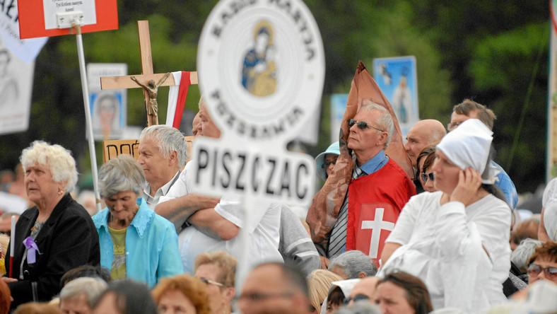 """""""Nasz Dziennik"""" krytykuje rządowy program na rzecz równego traktowania"""