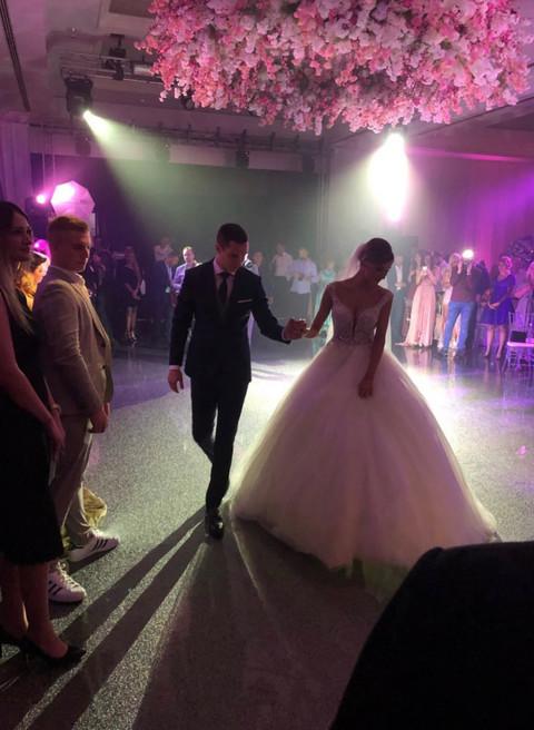 Venčali se Dragana Džajić i Miloš Ivanović: Pogledajte kako je izgledao PRVI SVADBENI ples! VIDEO