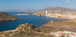 Horror w Hiszpanii. Kobieta zgwałcona na plaży nudystów