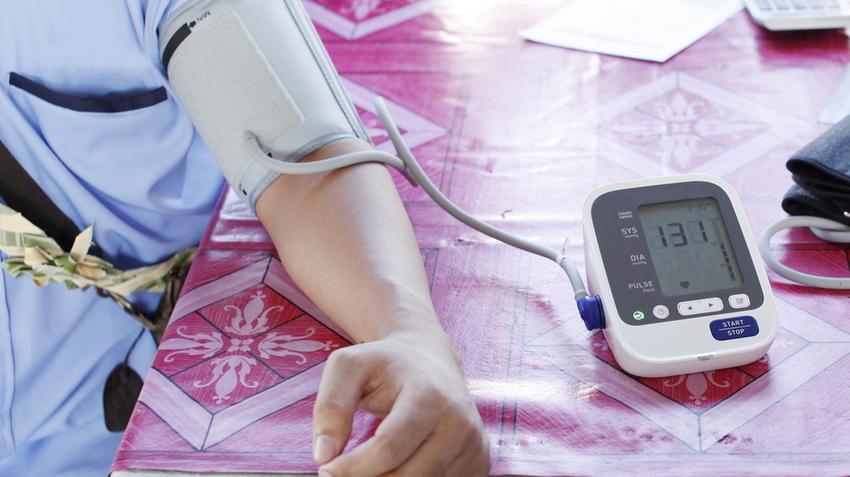 szükséges-e gyógyszerekkel kezelni a magas vérnyomást)