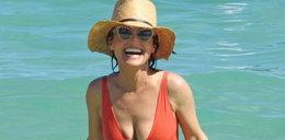 Amerykańska odpowiedniczka Magdy Gessler w kostiumie na plaży