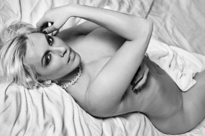 Sexi i niepokonana pokazała nagie ciało