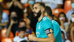 Karim Benzema scored the winner as Real Madrid came from behind to beat Valencia on Sunday. Creator: JOSE JORDAN