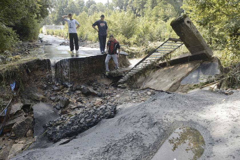 Wielka fala wody zerwała most w Stankowicach