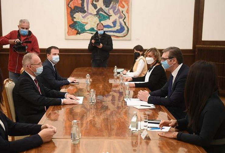 Aleksandar Vučić, Jan Bratu, OEBS