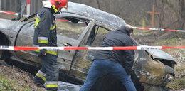 Kierowca spłonął w aucie