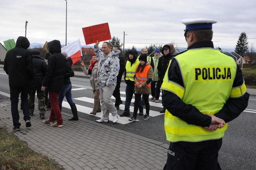 Blokada krajowej ósemki w Polanicy-Zdrój na Dolnym Śląsku