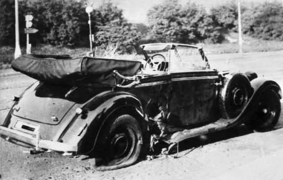 Hajdrih je ubijen u Pragu dok se vozio u otkrivenom