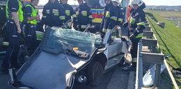 Ciężarówka staranowała maleńkie autko. Kobieta ciężko ranna