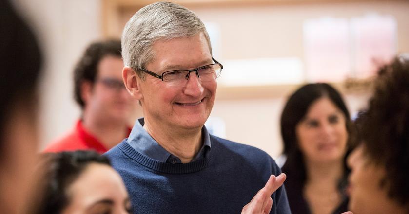 Tim Cook uważa, że Apple ma szeroką gamę produktów i każdy może wybrać taki, który będzie mu odpowiadał cenowo