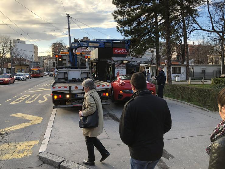 ferari bahato parkiranje Vračar