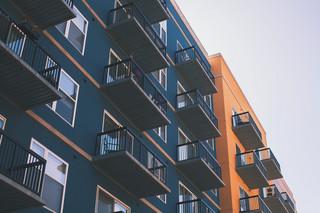 Boom na rynku nieruchomości trwa w najlepsze. Deweloperzy mają problem z pozyskaniem nowych gruntów