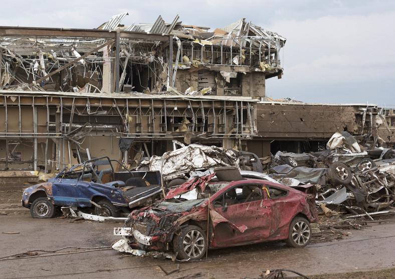 Tornado w USA - zniszczenia