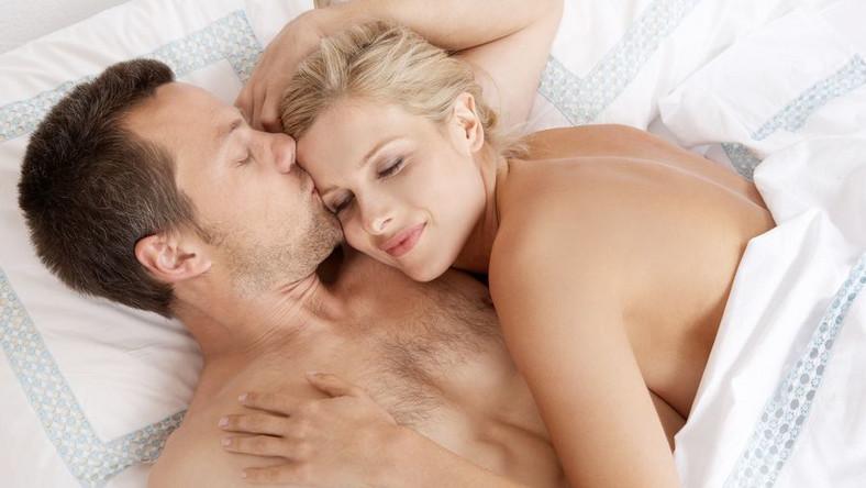 Podczas seksu uwalniane są endorfiny - hormony naturalnie uśmierzające ból