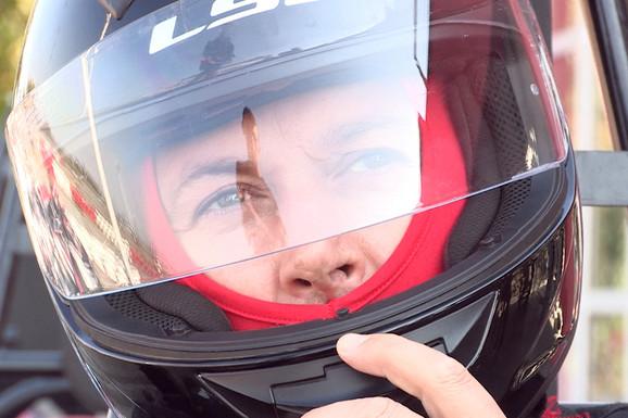 PRIZNAO DA JE TATI KRAO ŽUTOG KECA Aco Pejović prvi put na KARTING STAZI, evo kako se snašao (VIDEO)