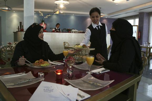 Za žene u Saudijskoj Arabiji rezervisani su odvojeni delovi u restoranu