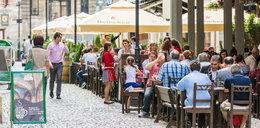 Ogródki restauracyjne otwarte już w majówkę?! Oto co sądzą o tym Polacy
