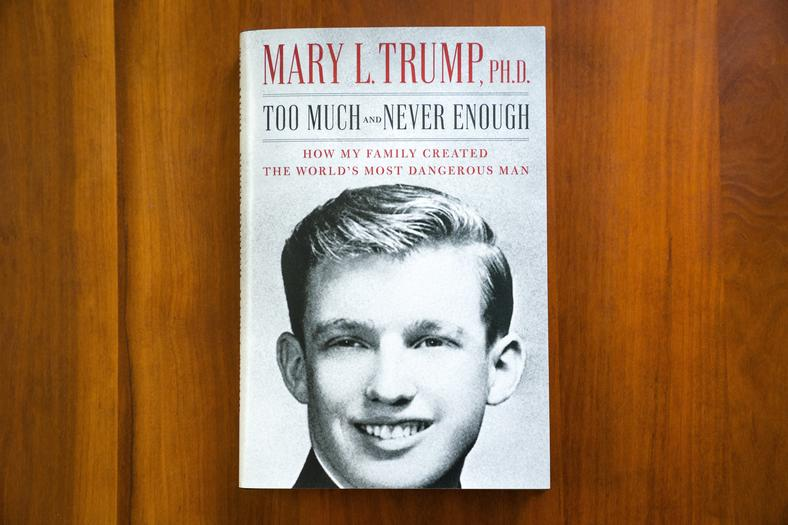 epa08533404 - USA MARY TRUMP BOOK (Mary Trump book 'Too Much and Never Enough')