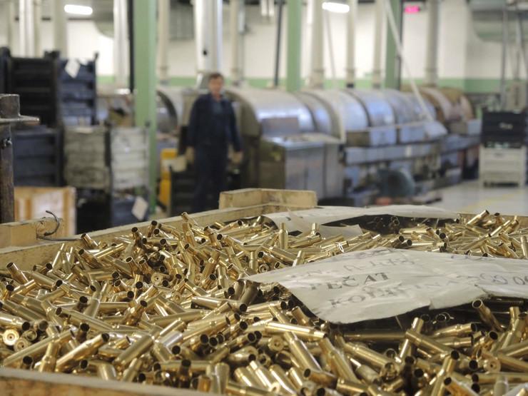 oruzje05 fabrika municije prvi partizan foto v lojanica