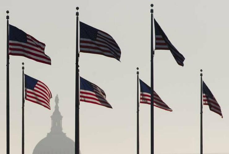 392905_sad-zastava2-ap