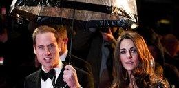 Tak William dba o swoją księżną Kate. Zobacz