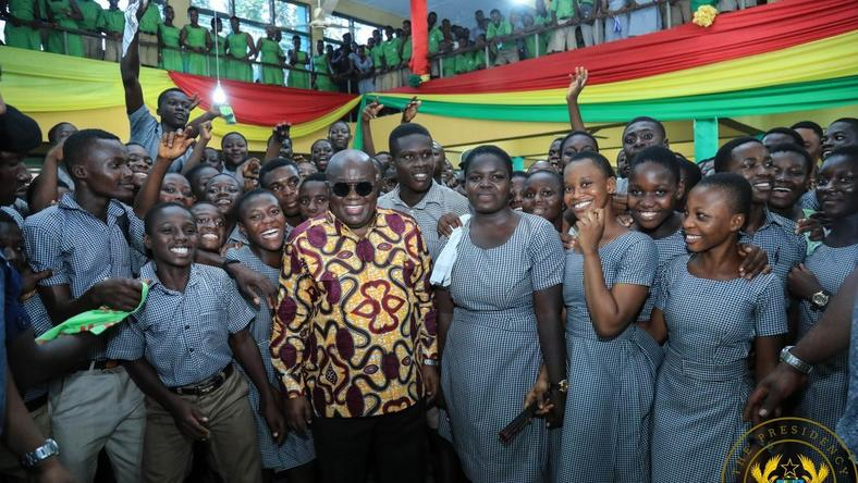 ___9136163___2018___11___25___7___President-Akufo-Addo-with-some-of-the-students-of-Oda-SHS