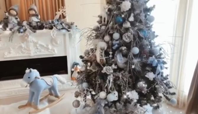 Jelka i novogodišnji ukrasi: sve je spremno za novogodišnju čaroliju