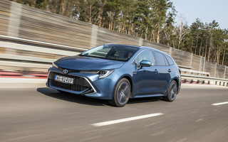 Test Toyoty Corolli Touring Sports 2.0 Hybrid
