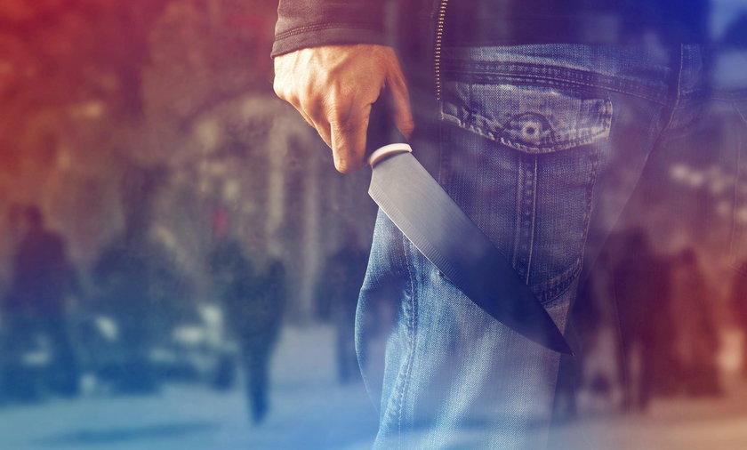 Zwrócił uwagę. Został ugodzony nożem