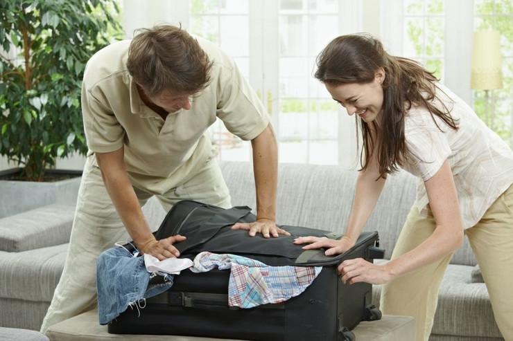 Pakovanje kofera je lakše kada pametno planirate keš i garderobu
