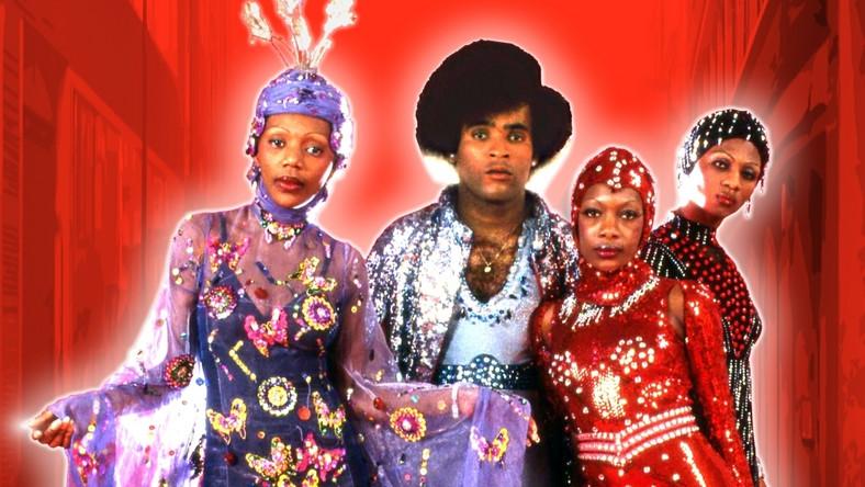 """Kolejne kawałki Boney M. –""""Sunny"""", """"Ma Baker"""", """"Belfast"""", """"Rivers Of Babylon"""", """"Rasputin"""", """"Mary Boy Child"""" i """"Brown Girl In The Ring"""" –jeden po drugim stawały się megahitami. Od września 1976 roku do października roku następnego grupa znajdowała się na szczycie niemieckiej listy przebojów przez 48 tygodni. W Wielkiej Brytanii grupa rządziła niepodzielnie przez 9 tygodni. Piosenki """"Rivers Of Babylon"""" i """"Mary Boy Child"""" do dnia dzisiejszego znajdują się wśród dziesięciu najlepiej sprzedających się singli wszech czasów w Zjednoczonym Królestwie"""