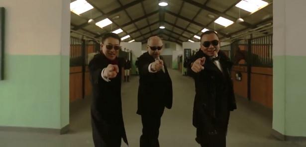 """Polski ambasador tańczy """"Gangnam Style"""""""