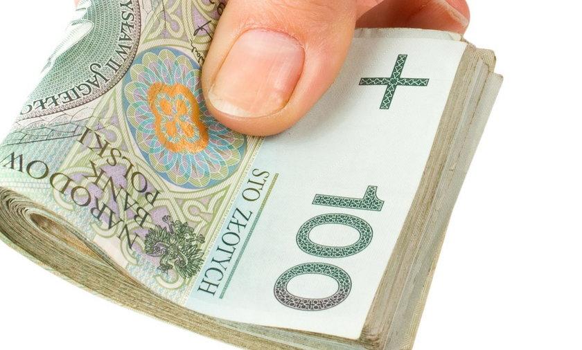 Kasjerka w banku pomogła udaremnić oszustwo. Policja dziękuje